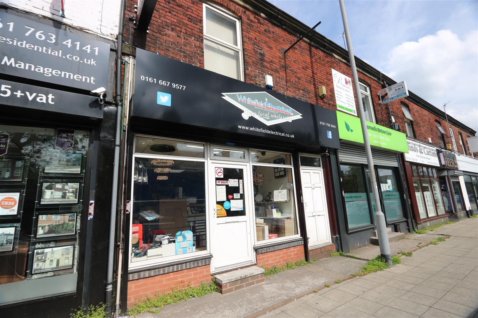 124 Bury New Road, Whitefield